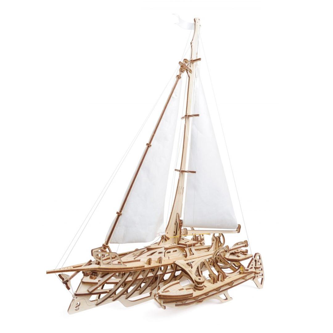 Barca Trimaran